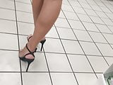 PERFECT LEGS FEET ARCHES AND SOLES IN HEELS CANDID VOYEUR