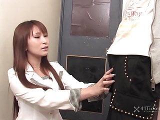 保险夫人Yuki Maya乱搞客户未经审查的JAV