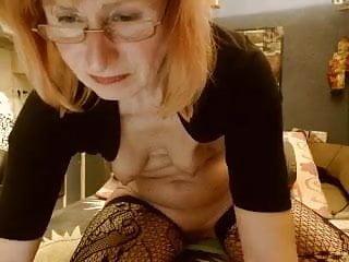 Fingering Mature Granny video: Granny show in cam