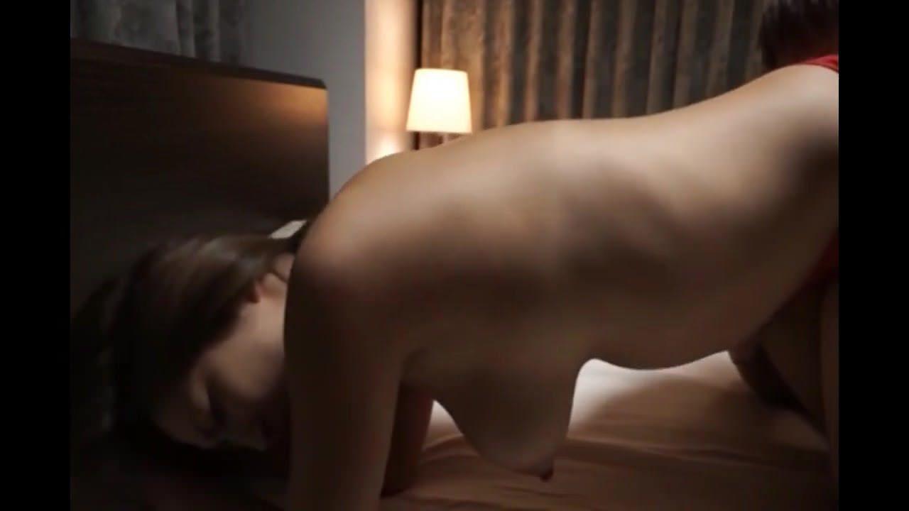 Парень унижает девушку порно