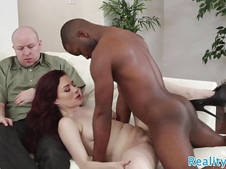 Amateur Interracial Cuckold vid: Cuckolding wife screwed by black cock