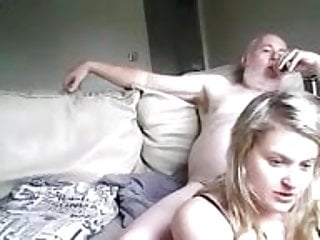 Blowjob Cum In Mouth video: pere et sa filles