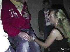 Niemieckie MILF i Teen Fuck Guys po imprezie w Berlinie