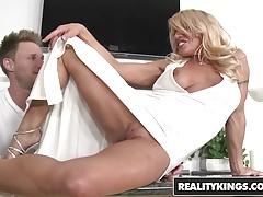 RealityKings - Milf Hunter - Gina West Levi Cash - Robi Gin