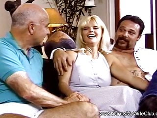 Amateur Hardcore Handjob video: Married Couple Try Out Swinging