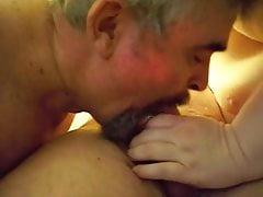 Láska sdílení kohout s manželkou