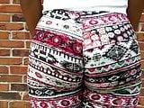Pattern leggings ass flexing