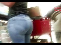Latina Milf with a Thick Ass : Candid Asses