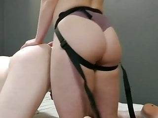 Anal Amateur video: pegging first time