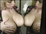 Sandra Scream undressing