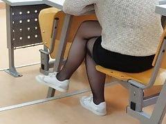 Seksowna turecka nastolatka zwisająca w czystych rajstopach