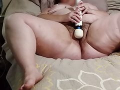 Orgasmo faz meus dedos enrolar