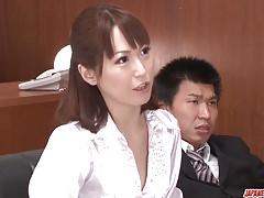 Nonoka Kaede nasává kohout v úžasném milf porno xxx