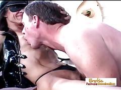 hässlich dünn mit großer Klitoris