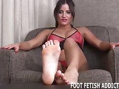 Powinieneś czuć się uprzywilejowany, aby czcić moje stopy