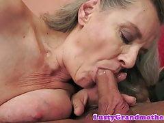Babcia uderzyła w cipkę przekręconą od tyłu