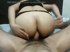 Sie genießt den Arsch