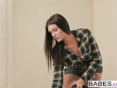 Babes - Elegantní Anal - Matt Ice a Kitana Lure - Zpět na Yo