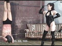 Japanische BDSM-Bestrafung des umgedrehten masochistischen Sklaven