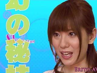 Yuma Asami在她脸上喷出暨