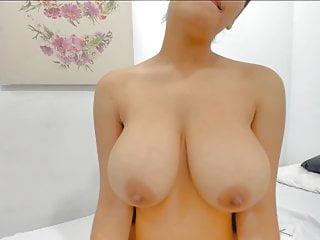 Big Tits Webcam 18 Year Old video: megala bizia 32