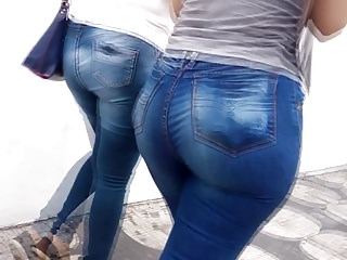 Hd Videos video: BUNDUDA GOSTOSA JEANS AZUL APERTADO MARCANDO A BUNDA
