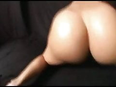 Big Naked Ass Bouncing Dance von Nordic-Western Blonde Dame