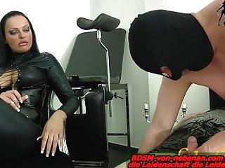 Amateur Bdsm Femdom video: Slave must do blowjob - lession at german bdsm femdom domina