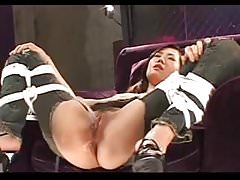 Giapponese - Bondage Gangbang con Pissing