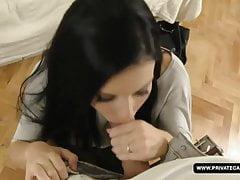 Victoria Blaze prende un viso massiccio