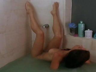 Image 1: Sean Young nue et baisee dans le film Men 1997