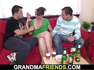 Milfs Grannies Mom video: Cocksucking old woman takes it in the ass