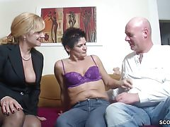 Prawdziwa niemiecka para w kobiecej obsadzie z Big Tit MILF