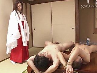 他妈的成熟女祭司Ayano Murasaki未经审查的JAV