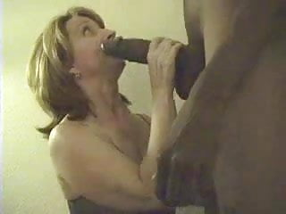 Milf Mature Bbc video: Mature Woman Sucking Young BBC