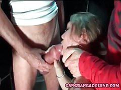 Gangbang Archive - Des hommes masqués baisent une femme dans le sexe