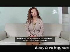 casting - La bellezza di Auburn viene ricoperta di sperma