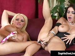 ¡El Reino Unido Sophie Dee y Jessica Jaymes abren sus piernas en la cámara!