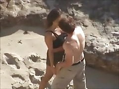 Szpiegowanie Hot Couple Strip & Fuck on Beach