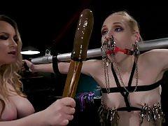 Ten orgazm należy do Ciebie !: Lesbijskie Dominatrix Cum Fest