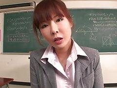 Insegnante ottiene il suo viso in crema dal suo studente