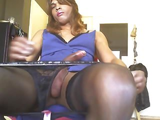 Masturbation Shemale Lingerie Shemale porno: tranny glenda jurking big black dick