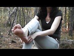 wytryski podeszwy w lesie