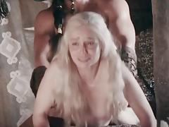 Emilia Clarke scopata alla pecorina