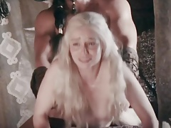 Emilia Clarke durchgefickt Doggystyle