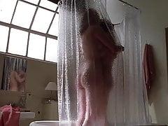 Angelina Jolie y Elizabeth Mitchell - '' Gia '' 04