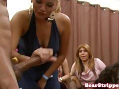 Fiesta salvaje babes cocksucking stripper