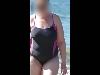Amateur Bbw Voyeur video: bbw milf swimsuit