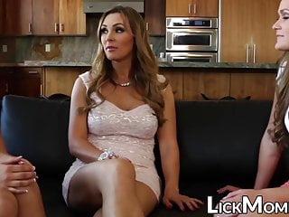 Teen Big Tits Threesome video: Gorgeous Abby Cross swallows pussy in stepmom threeway