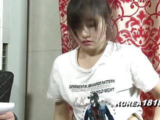 韓國女孩不能再堅持了